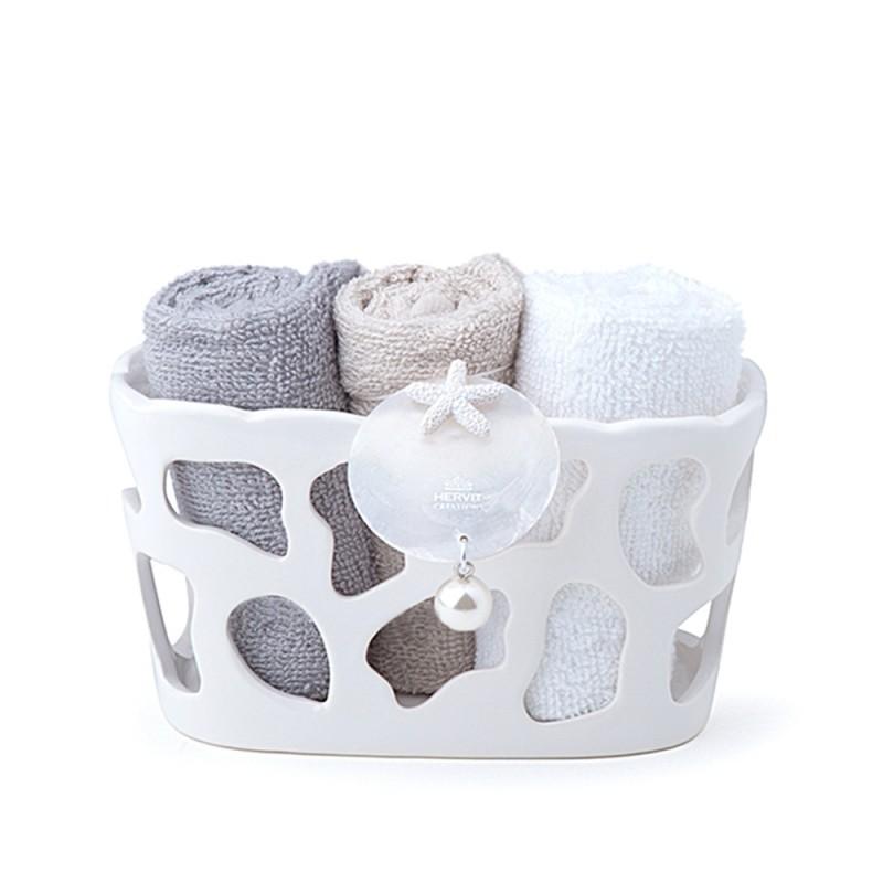 Candida Celiento - Hervit Creations, contenitore in porcellana traforata con set di asciugamani sabbia