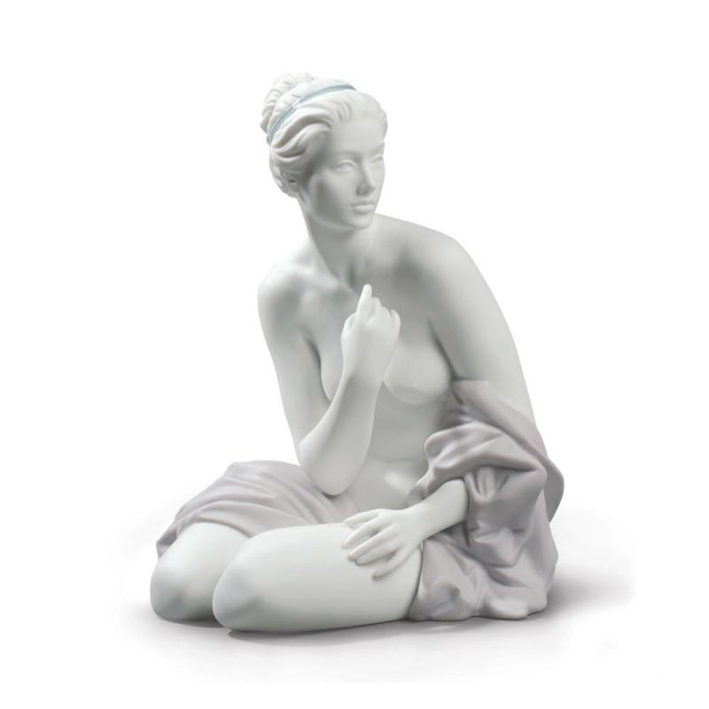 Statua Bagnante Seduta in...
