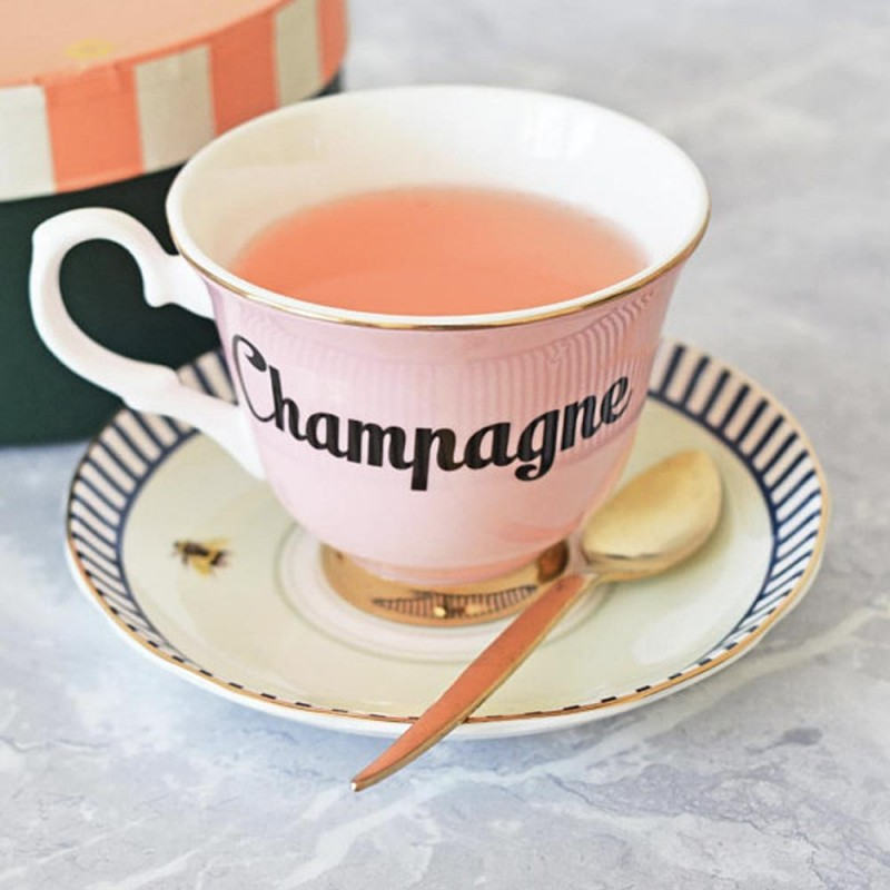 Tazza da tè con piattino...